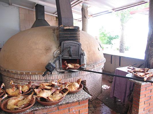 Hotel montermoso aranda de duero ribera del duero restaurante asador - Disenos de hornos de lena ...